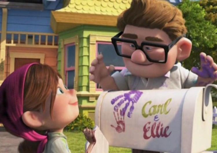 O casal Ellie e Carl deixam literalmente suas digitais em sua casa, um reflexo de sua relação: personalidade diferentes mas complementares. Imagem © Pixar