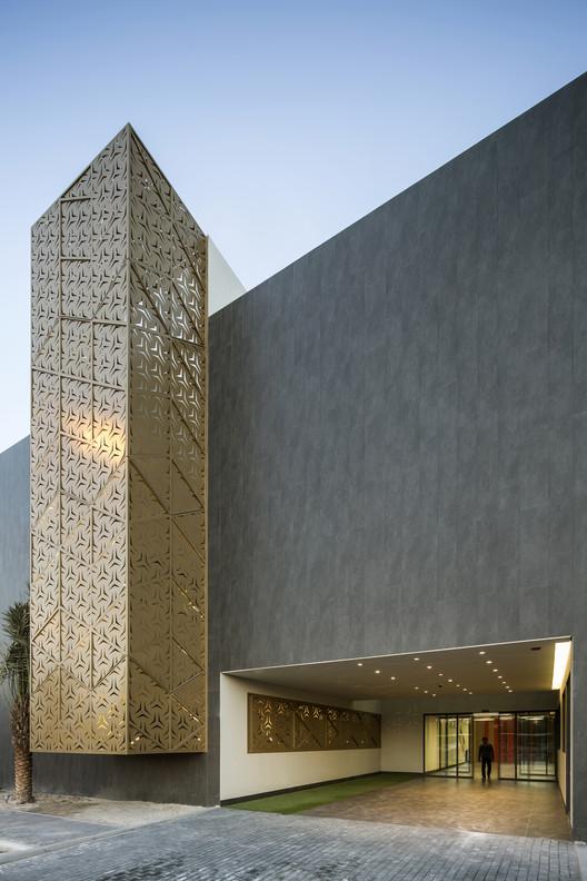 Al-Ghanim Ali Mohammed Thunayan Al-Ghanim Center; Kuwait / AGi architects. Image Courtesy of World Architecture Festival