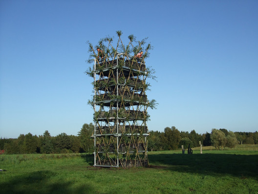 Willow tower after completion. Image © Ferdinand Ludwig