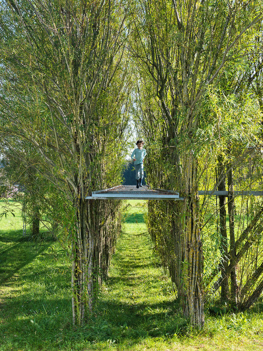 Willow footbridge summer 2012. Image © Ferdinand Ludwig