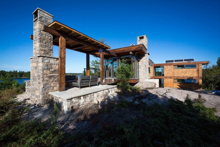 Monument Channel Cottage / CORE Architects | ArchDaily