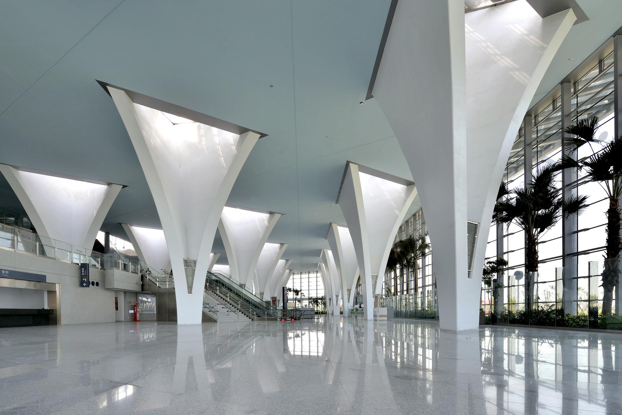 Modern Interior Columns