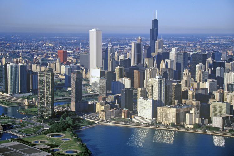 explore the chicago skyline
