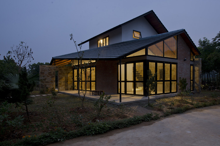 Folded Roof House Toob Studio Archdaily