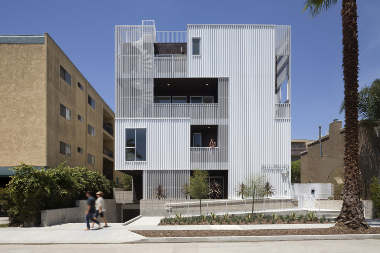 Multifamily Living: Cloverdale749; Los Angeles / Lorcan O'Herlihy Architects. Image Courtesy of AIA