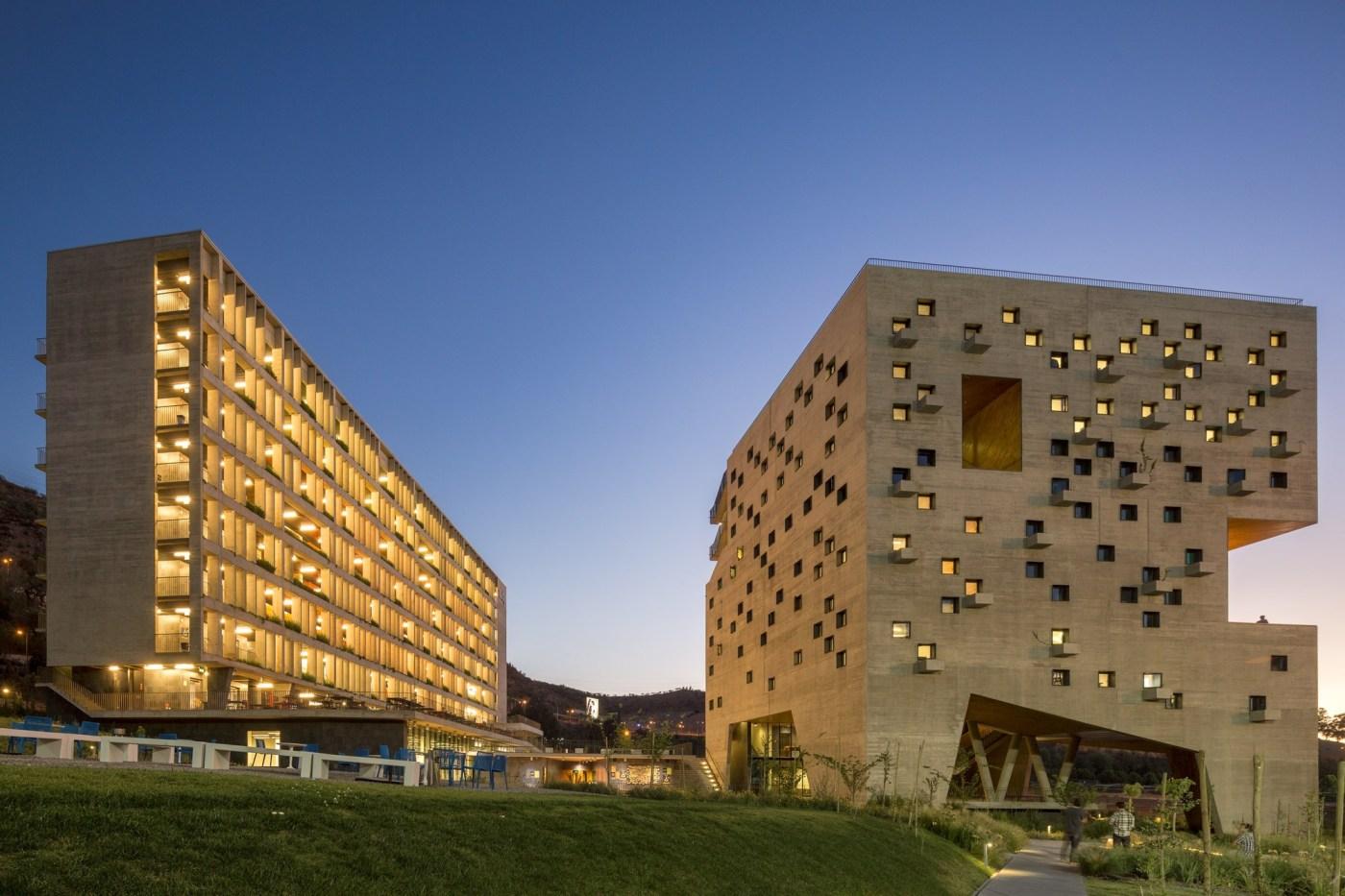 Faculdade de Economia e Negócios da Universidade Diego Portales / Rafael Hevia + Rodrigo Duque Motta + Gabriela Manzi | ArchDaily Brasil
