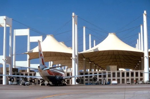 Hajj Terminal at King Abdulaziz Airport, Jeddah. Image © SOM - Jay Langlois | Owens-Corning