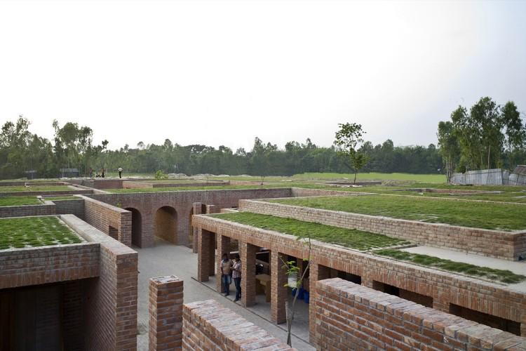 Friendship Centre, Gaibandha, Bangladesh, URBANA / Kashef Mahboob Chowdhury. Image Courtesy of The Aga Khan Award for Architecture