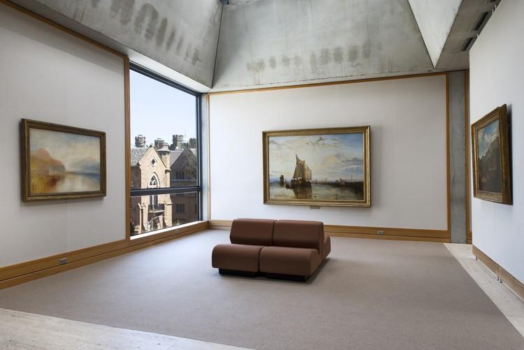 Yale Center for British Art, fourth  oor, Turner Bay following rein- stallation. Image © Richard Caspole