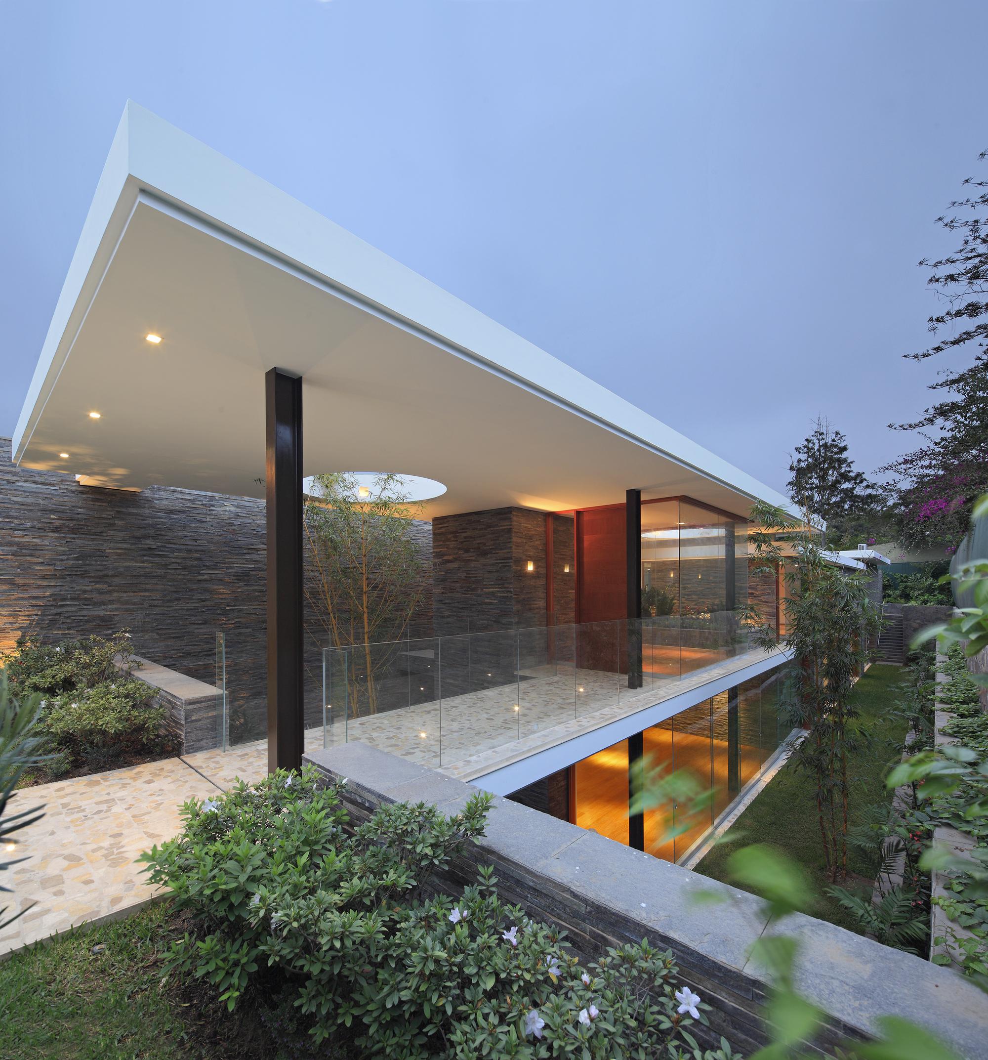 Casa Lineal  Metrpolis Oficina de Arquitectura  ArchDaily