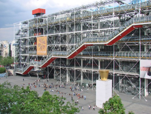 Centre Georges Pompidou / Richard Rogers + Renzo Piano. Image © <a href='https://www.flickr.com/photos/dalbera/2496569412'>Flickr user dalbera</a> licensed under <a href='https://creativecommons.org/licenses/by/2.0/'>CC BY 2.0</a>