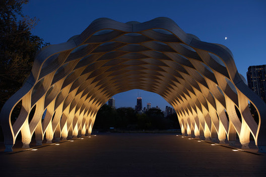 Studio Gang's Nature Boardwalk at Lincoln Park Zoo. Image © Hedrich Blessing