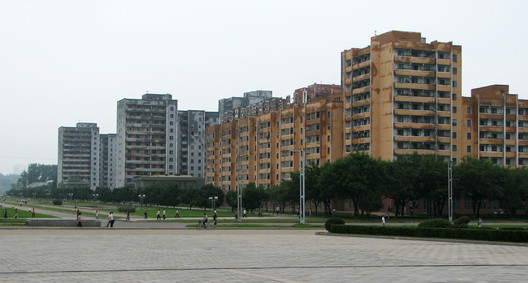 Apartments either side of the main city axis. Image © Alex Davidson