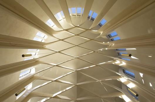 Bishop Edward King Chapel / Niall McLaughlin Architects. Image © Niall McLaughlin Architects
