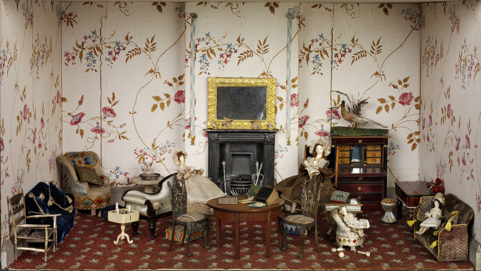 Dollhouses Trace 300 Years British