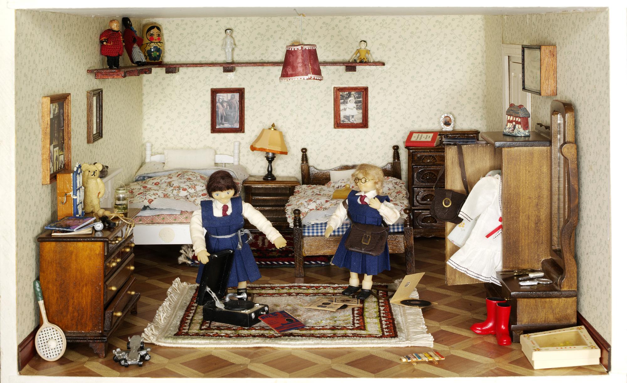 Children's Doll House Museum