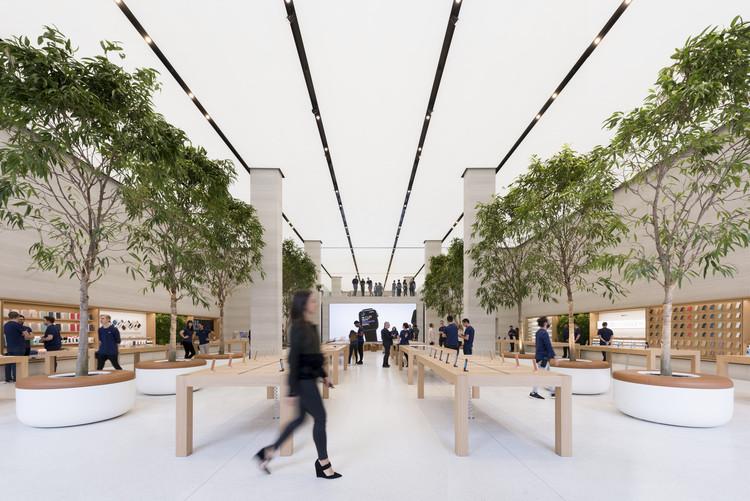 Apple Regent Street  / Foster + Partners, © Nigel Young