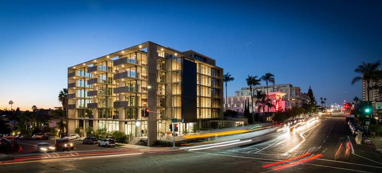 "Architects As Developers: The Pros & Cons, Jonathan Segal's newest mixed-use project called ""Mr Robinson"" located in San Diego. Image © Jonathan Segal Architect"