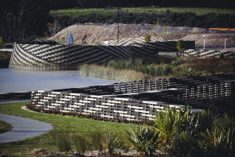 Kopupaka Reserve, Auckland, New Zealand / Isthmus. Image via World Architecture Festival