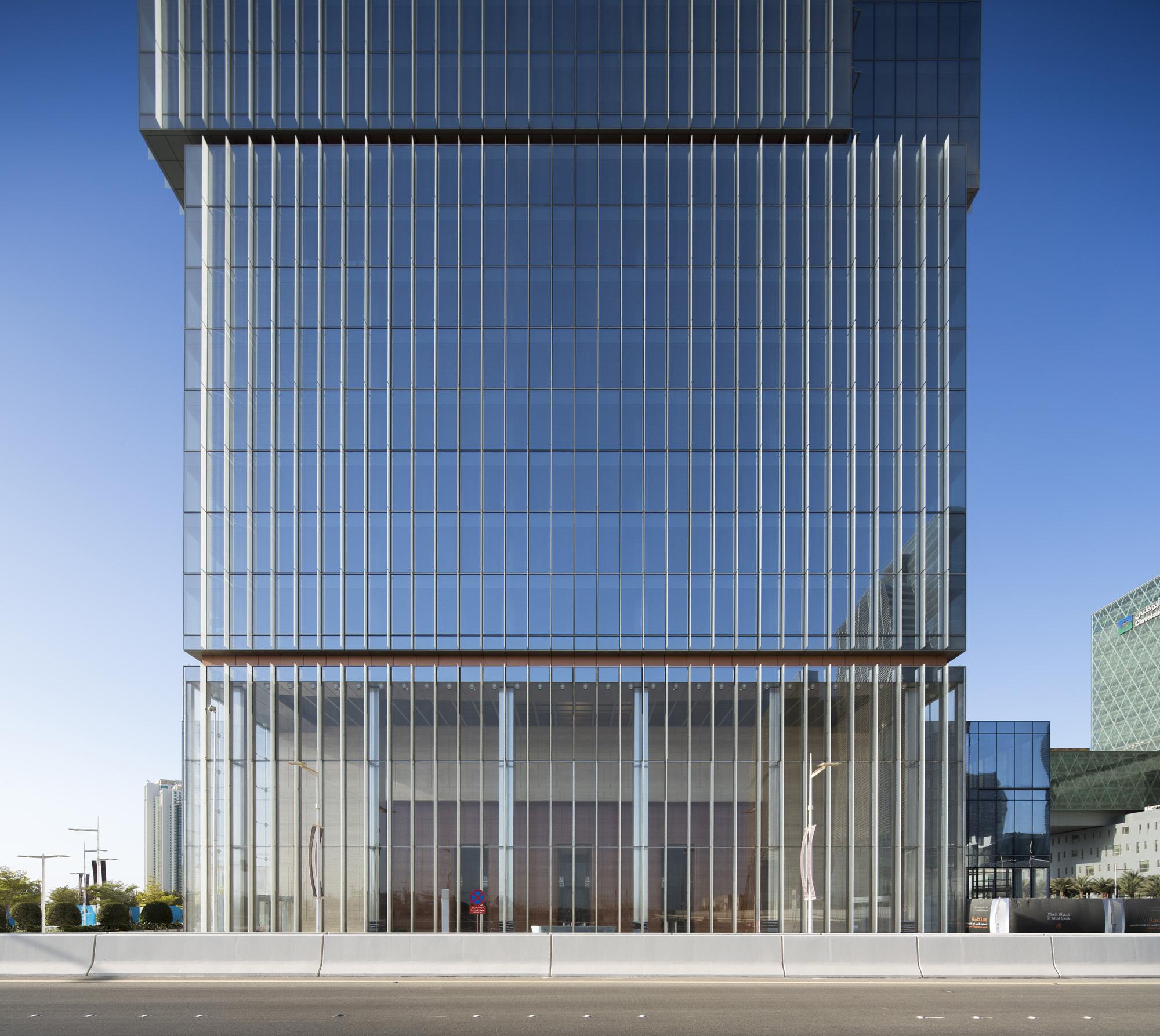 Al Hilal Bank Office Tower Goettsch Partners - 3