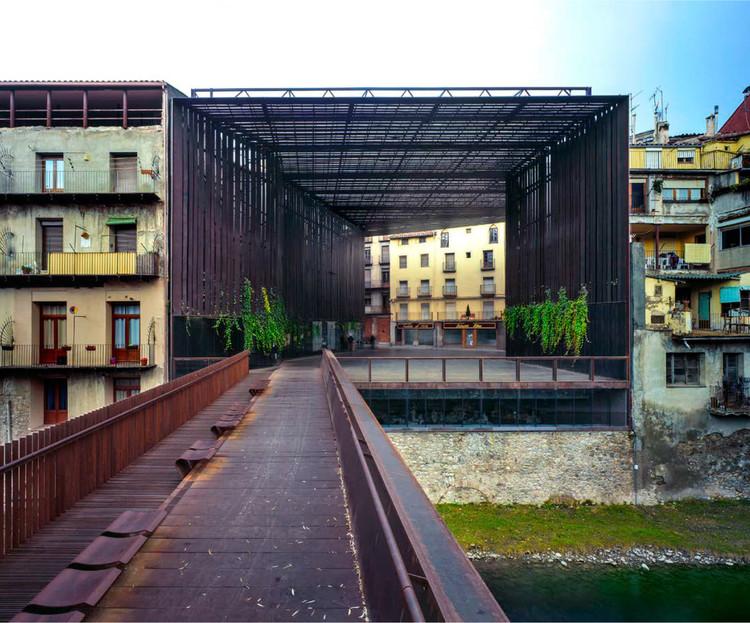 La Lira Theater Public Open Space (2011). Image © Hisao Suzuki. Image Cortesía de Pritzker Prize