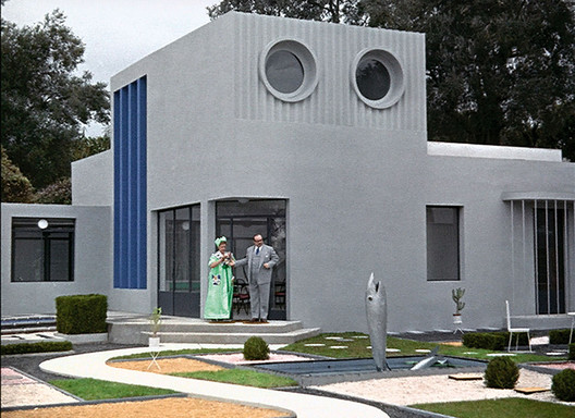 The modern house in Mon Oncle (1958) does not seem to facilitate the life of M. Hulot. Source: https://girlsdofilm.wordpress.com/2015/09/20/mon-oncle-m-hulot-is-puzzled-by-modernism/