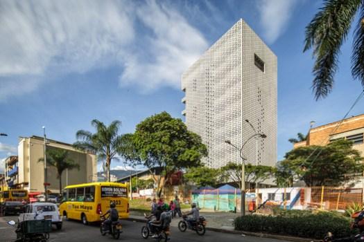 New office of the Urban Development Company/ EDU - Empresa de Desarrollo Urbano de Medellín. Image © Alejandro Arango