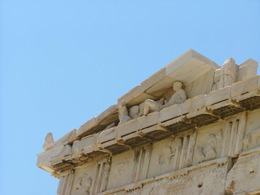 Eastern pediment. Image © Wikipedia User: Dorieo. Licensed Under Public Domain