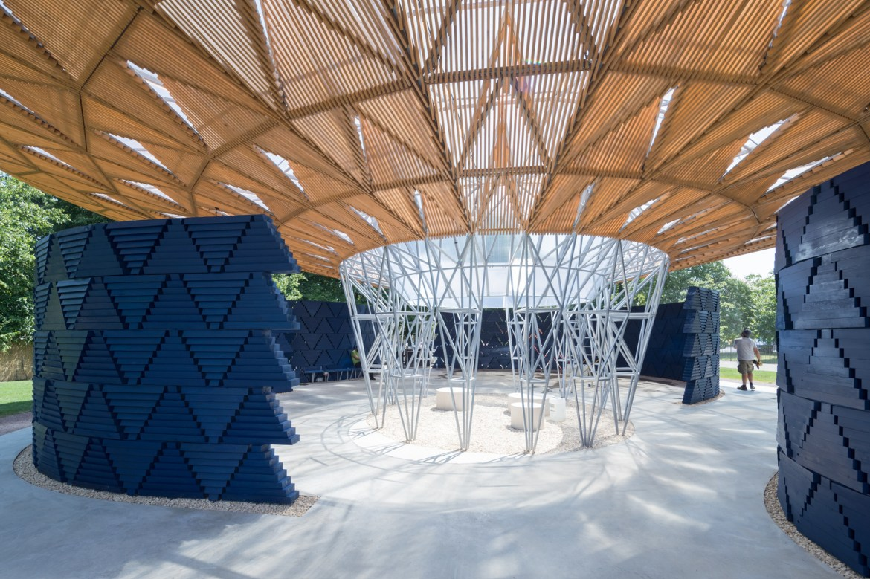 Diébédo Francis Kéré presenta el Serpentine Pavilion 2017 en Londres,Serpentine Pavilion 2017, diseñado por Francis Kéré. Image © Iwan Baan