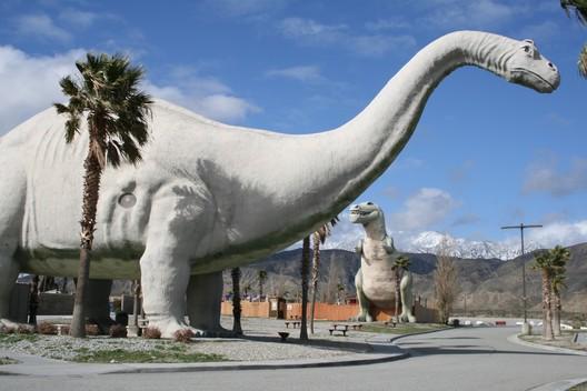 Image <a href='https://commons.wikimedia.org/wiki/File:Cabazon-Dinosaurs-2.jpg'>via Wikimedia</a> taken by Wikimedia user Jllm06 (public domain)