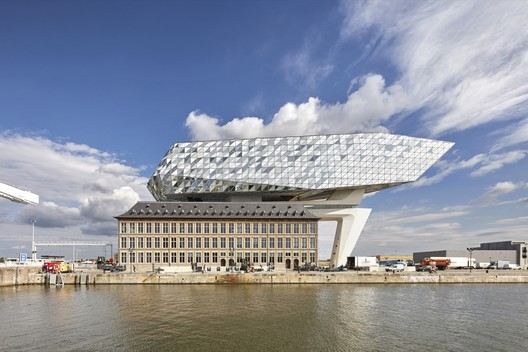 Office: Zaha Hadid Architects / Port House. Image Courtesy of WAF