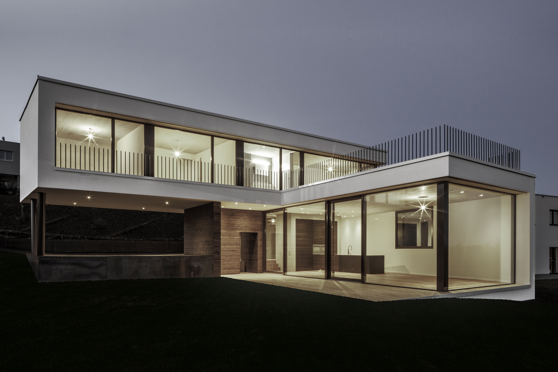 L-shaped House Plans Panoramic View