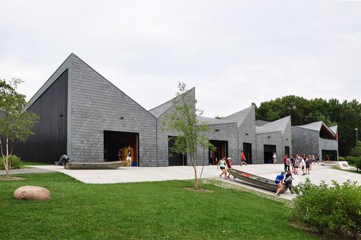 WMS Boathouse in Clark Park. Image © Victor Delaqua