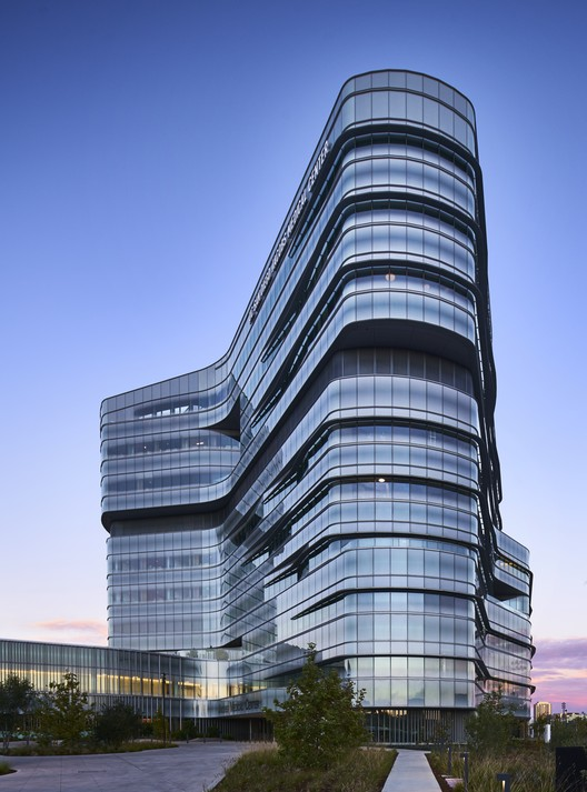 UC San Diego Jacobs Medical Center; La Jolla, California / Cannon Design. Image © Christopher Barrett