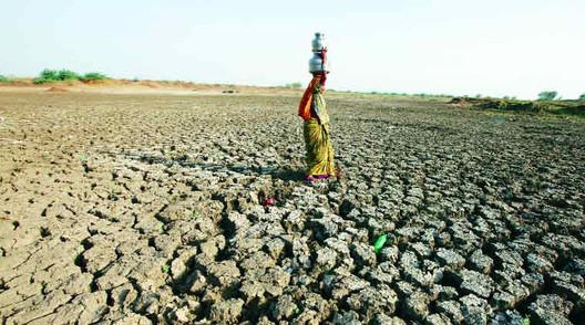 Drought Conditions, India. Image © <a href='https://commons.wikimedia.org/wiki/File:Water-crisis.jpg'>Wikimedia user MrGauravBhosle</a> licensed under <a href='https://creativecommons.org/licenses/by-sa/4.0/deed.en'>CC BY-SA 4.0</a>