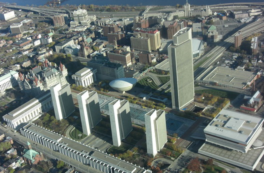 <a href='https://commons.wikimedia.org/wiki/File:EmpirePlaza17.jpg'>via Wikimedia user Jer21999</a> (public domain)