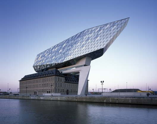 Port House / Zaha Hadid Architects. Image © Hélène Binet