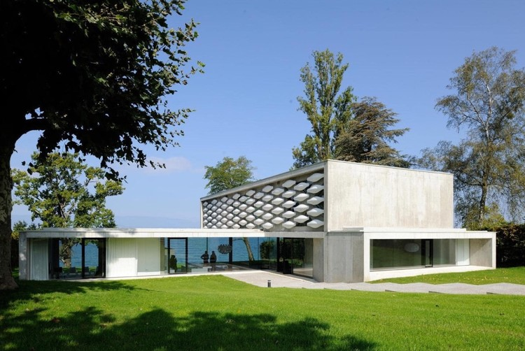 house on the lake aum pierre minassian