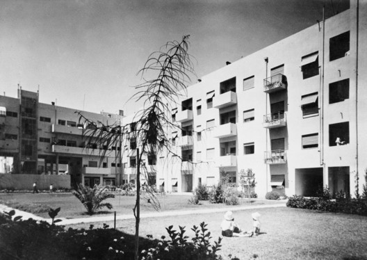 Workers' Housing, City block of Frishman, Dov Hoz, Frug Streets, Tel AvivJaffa, 1934, Architect Arieh Sharon. Image © Itzhak Kalter