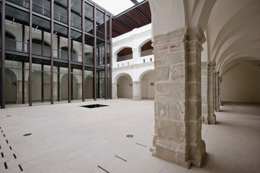 Academic and Cultural Center of San Pablo, Alfred Harp-Helú Foundation, Oaxaca de Juarez, Oaxaca, 2008-2011. Image Courtesy of Taller de Arquitectura Mauricio Rocha + Gabriela Carrillo