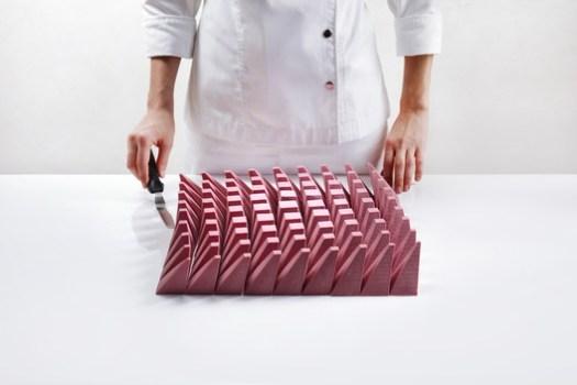 Image <a href='http://www.dinarakasko.com/algorithmic-modeling-cakes/'>via Dinara Kasko's website</a>