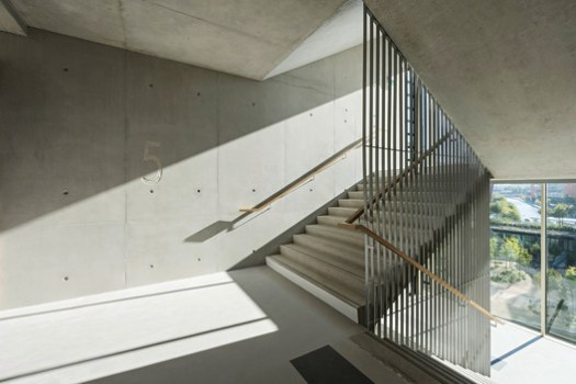 Stairway. Image Courtesy of Dietmar Feichtinger Architectes