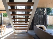 Cricket Pitch House / Scale Architecture | ArchDaily