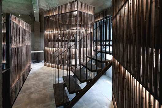 Staircase in the bamboo mezzanine. Image © Quan Zhang