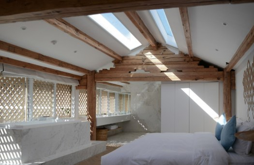 Room with Skylight. Image © Joao Lemos