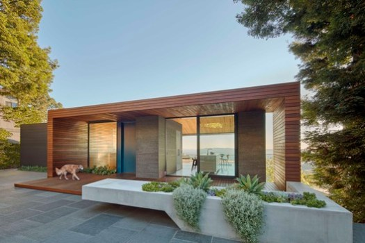 Skyline House (Oakland, California) / Terry & Terry Architecture. Image Courtesy of Wood Design & Building Awards