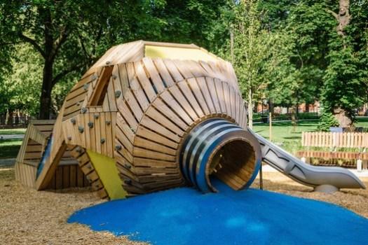 Grange Park Playground (Toronto, Ontario) / PFS Studio. Image Courtesy of Wood Design & Building Awards