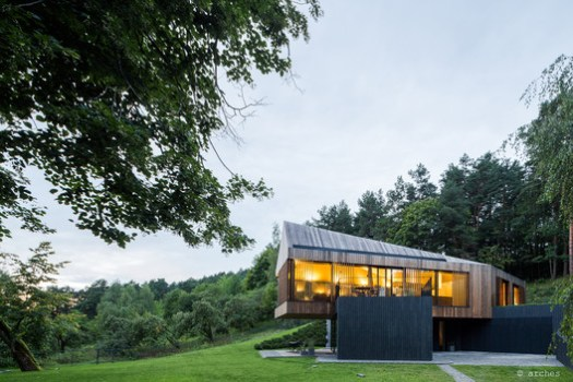 Valley Villa (Vilnius, Lithuania) / Arches. Image Courtesy of Wood Design & Building Awards