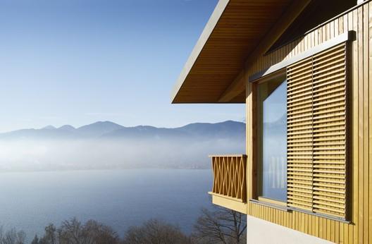 03_DAS_TEGERNSEE_Alpenchalets_(7) Alpine Chalets / landau+kindelbacher Architekten Innenarchitekten Architecture