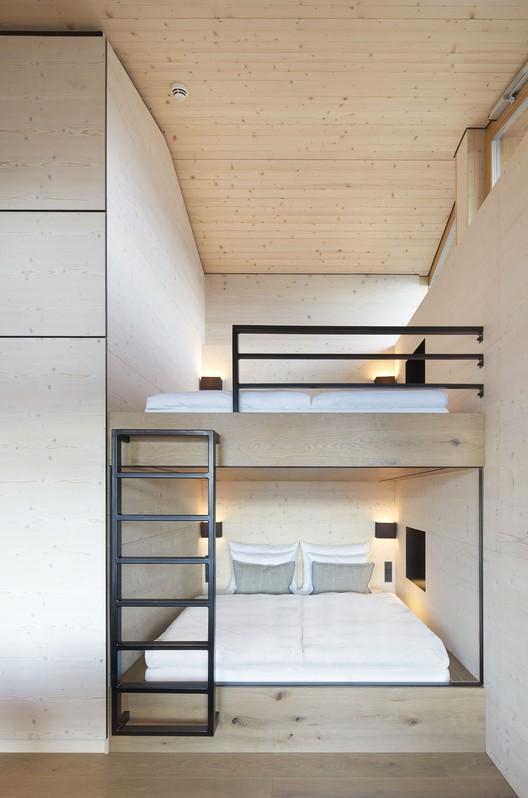 07_DAS_TEGERNSEE_Alpenchalets_(20) Alpine Chalets / landau+kindelbacher Architekten Innenarchitekten Architecture